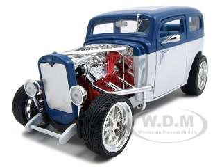 1931 FORD MODEL A CUSTOM BLUE/WHITE 118 DIECAST MODEL