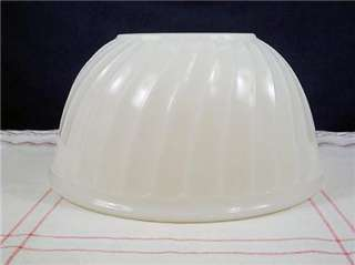 Vintage Fire King Glass Ivory Swirl 9 Mixing Bowl