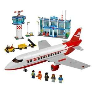 Lego City   Airport 3182 Toys & Games